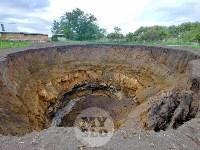 Гигантский провал в селе под Тулой расширяется: съемка с квадрокоптера, Фото: 8