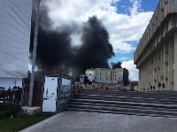 Загорелся недостроенный ТЦ на Красноармейском проспекте, Фото: 8