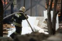 На стройке на улице Фрунзе сгорели вагончики рабочих., Фото: 5