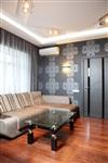 Гостиную украшают обои от знаменитого дизайнера Луиджи Колани (Luigi Colani), Фото: 5