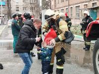 На улице Металлургов в Туле загорелась квартира , Фото: 1