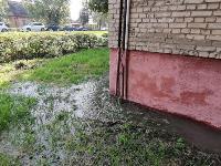 В Пролетарском районе Тулы затопило улицы и дворы: вода хлещет из колодцев, Фото: 23