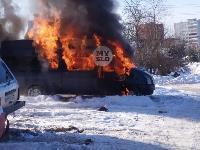 В Пролетарском районе Тулы загорелся микроавтобус, Фото: 1