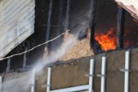 С огнем в жилом доме в селе Теплое боролись три пожарных расчета, Фото: 6