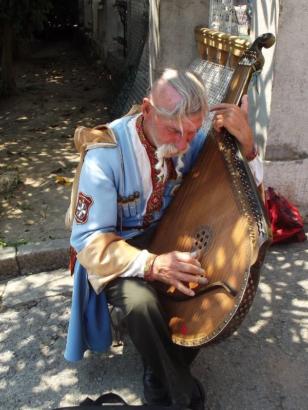 Бандурист. Ливадия. Крым.2012 год.