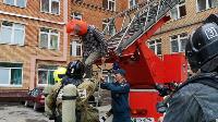 Учения МЧС: В Тульской областной больнице из-за пожара эвакуировали больных и персонал, Фото: 33