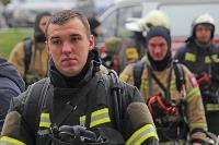 Тульские пожарные провели соревнования по бегу на 22-этаж, Фото: 10