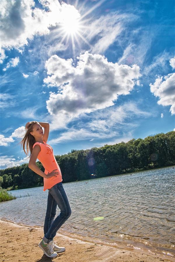 отдохнули на море, но моря не хватило, пошли сфоткаться у пруда в парке:D