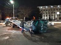 На ул. Болдина в Туле перевернулся Ford, Фото: 4