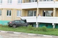 Снесшую пять балконов веневскую автоледи лишат прав, Фото: 1