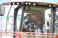 Владимир Груздев принял участие в уборочной кампании, Фото: 13
