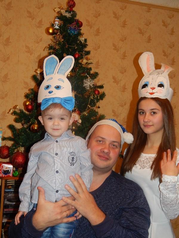 Ёлка, Дед Мороз и зайцы.