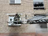 На улице Металлургов в Туле загорелась квартира , Фото: 11
