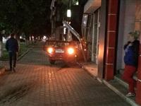 На ул. Первомайской иномарка въехала в офис Tele2, Фото: 2
