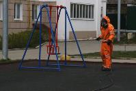 Сотрудники МЧС проводят дезинфекционные работы, Фото: 6