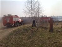 В Ленинском районе из-за горящей травы сгорела дача, Фото: 1