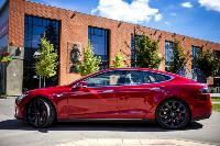 Владелец первого электромобиля Tesla рассказал, почему теперь не хочет ездить на других машинах, Фото: 35