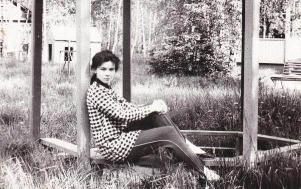 Первому угадавшему, какого цвета штаны (а они из чистой шерсти, между прочим!) я носила в 1990-х - тортик в профиль. Фото вне конкурса.