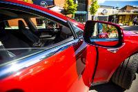 Владелец первого электромобиля Tesla рассказал, почему теперь не хочет ездить на других машинах, Фото: 19