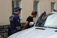 В центре Тулы полицейские задержали BMW X5 с крупной партией наркотиков, Фото: 5