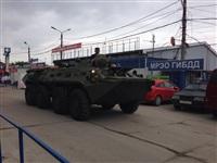 В Мясново проехал БТР, Фото: 1