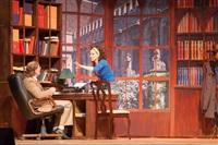 Ирина Медведева в спектакле Воспитание Риты, Фото: 2