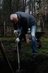 Александр Лебедев ремонтирует детскую площадку, Фото: 13