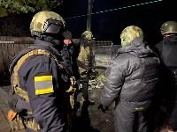 Сотрудники Росгвардии задержали открывшего стрельбу мужчину, Фото: 11