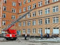 Учения МЧС: В Тульской областной больнице из-за пожара эвакуировали больных и персонал, Фото: 28