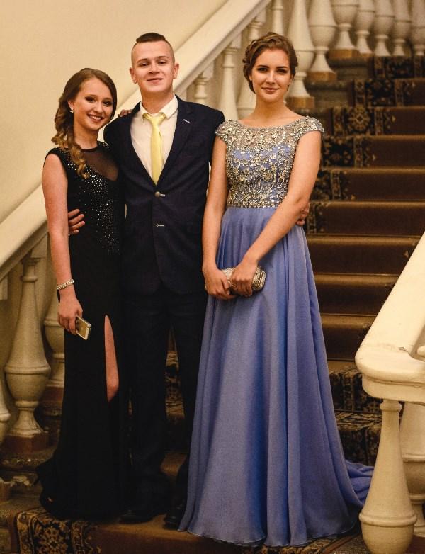Выпускники лицея №2 - Данил, Жанна и Даша