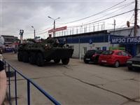 В Мясново проехал БТР, Фото: 2