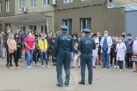 В Туле сотрудники МЧС эвакуировали госпитали госпиталь для больных коронавирусом, Фото: 1