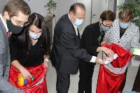 Депутаты Тульской облдумы подарили пациентам областной детской больницы новогодние подарки, Фото: 9