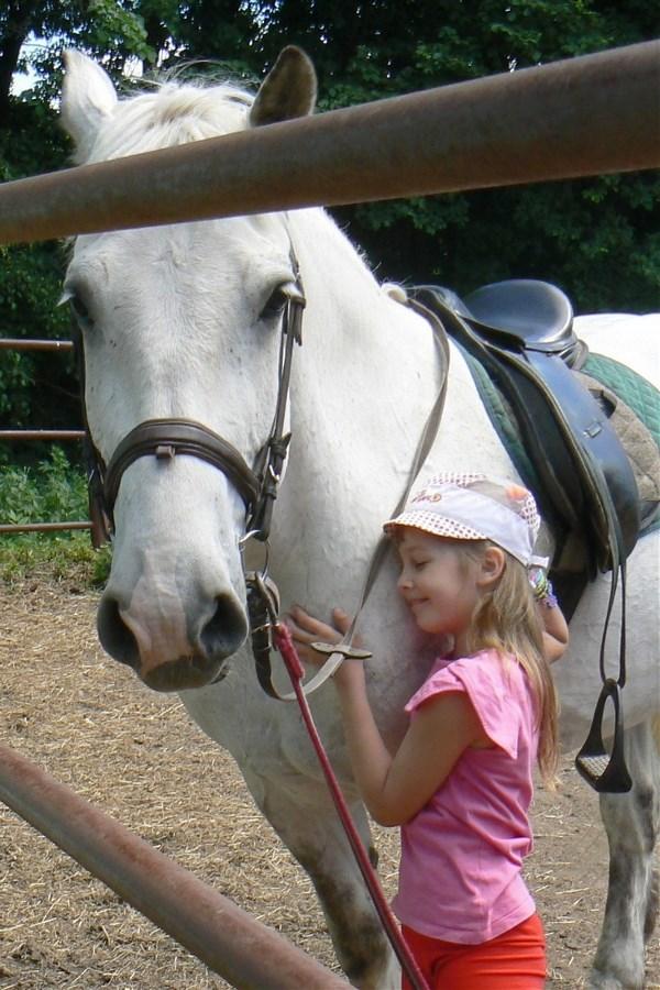 Ребёнок + лето + конь = счастье!
