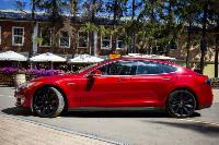 Владелец первого электромобиля Tesla рассказал, почему теперь не хочет ездить на других машинах, Фото: 40