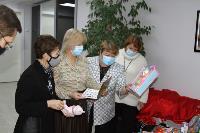 Депутаты Тульской облдумы подарили пациентам областной детской больницы новогодние подарки, Фото: 4