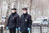 Полицейские проверяют, как туляки соблюдают ограничения карантина , Фото: 32