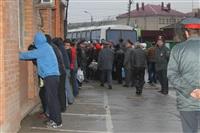 В ходе зачистки на Центральном рынке Тулы задержаны 350 человек, Фото: 24