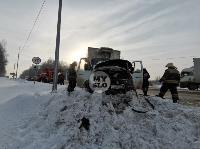 В Туле водитель бетономешалки и военные потушили горящую на трассе ГАЗель, Фото: 2
