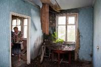 В Шахтинском поселке люди вынуждены жить в рушащихся домах, Фото: 26