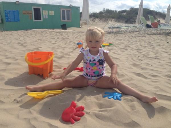 Мама, это Морской песок, Шпат и кварц являются основными компонентами, образующими песчаную смесь.