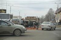 На Рязанской на дорогу рассыпалась гора кирпича, Фото: 4