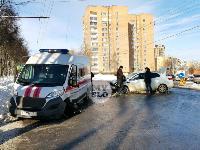 Автомобиль газовой службы попал в ДТП на ул. Первомайской и потерял колесо, Фото: 3