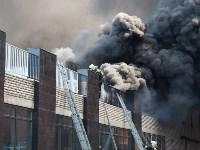 Загорелся недостроенный ТЦ на Красноармейском проспекте, Фото: 45