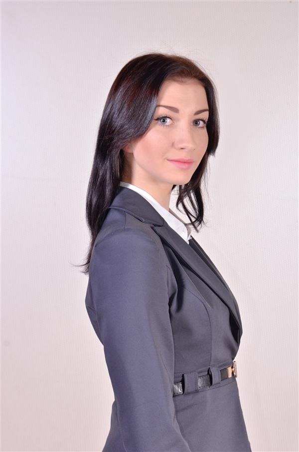 Анастасия Аликова, 19 лет. ТОККиИ, хореограф. Анастасия родилась и выросла в Уральске, в Тулу переехала всего два года назад. Любит экстрим и уже прыгнула с парашютом!