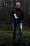 Александр Лебедев ремонтирует детскую площадку, Фото: 11