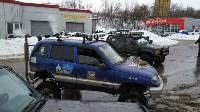 В Туле опрокинувшийся в кювет BMW вытаскивали три джипа, Фото: 2