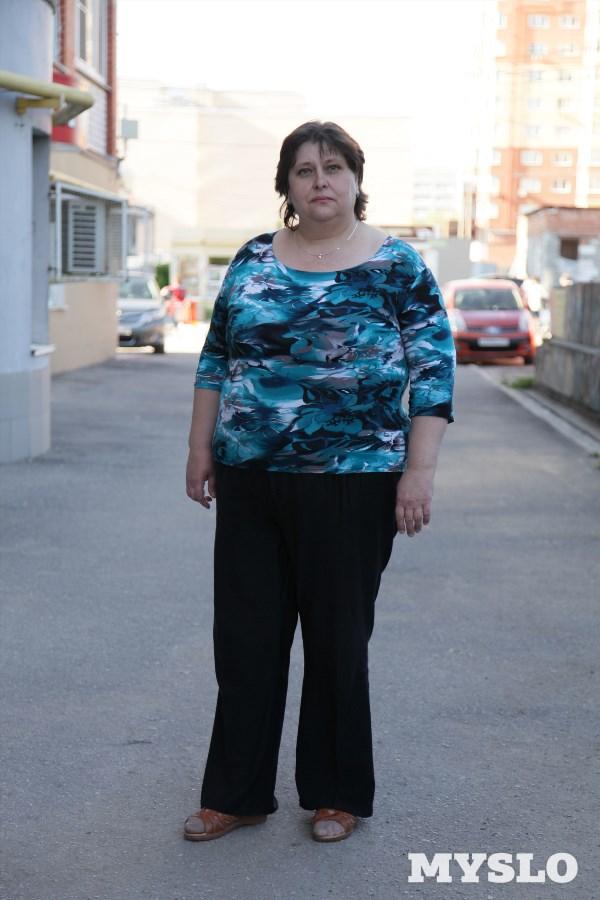 Ольга Чубукина, 51 год. Рост 166 см, вес 125 кг: «После первых родов я поправилась на 20 кг. Через четыре года родила второго ребёнка и набрала ещё 15 кг. Так что к 24 годам уже весила 105 кг. В течение многих лет я пыталась похудеть, пробовала разные диеты, но... Я люблю всё делать быстро, а вес не позволяет. Хочется похудеть до 70 кг, чтобы чувствовать себя моложе и быть здоровой. Решила испытать счастье и похудеть с любимой «Слободой».