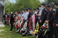 Жуткое ДТП в Суворове: проститься с погибшим полицейским пришли сотни человек, Фото: 22