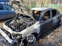 Ночной пожар в Петелино: огонь повредил три автомобиля, Фото: 9